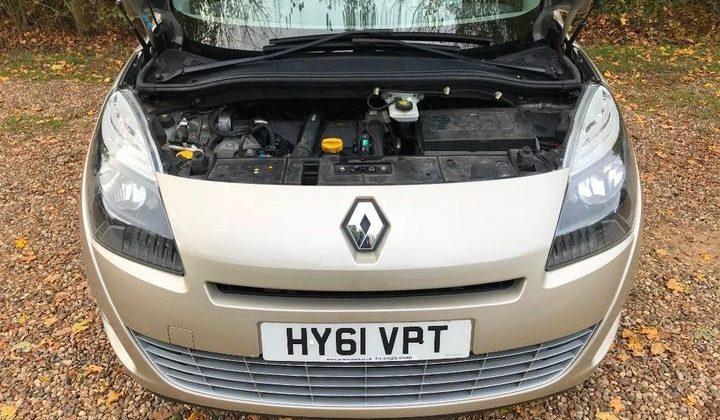 Renault Grand Scenic 1.5 TD Dynamique TomTom 5dr
