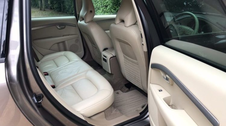 Volvo XC70 2.4 D5 SE Geartronic 5dr