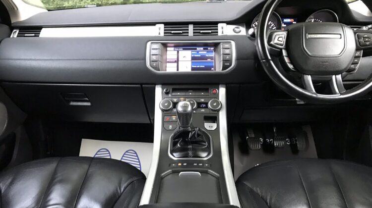 Land Rover Range Rover Evoque 2.2 TD4 Pure AWD 5dr